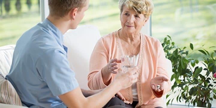 dispositif assurance vieillesse parents foyer