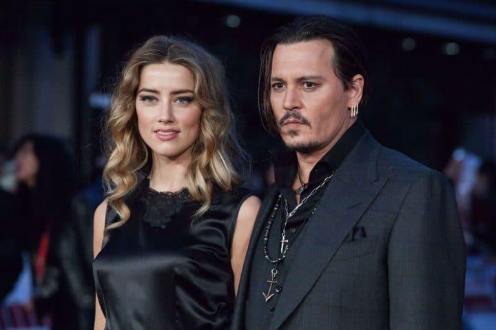 Johnny Depp accuse Amber Heard d'avoir déféqué dans le lit conjugal