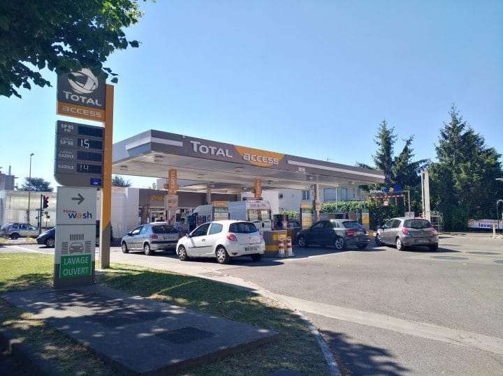 Total Access Gros Changement Pour La Station Service A Bas Prix