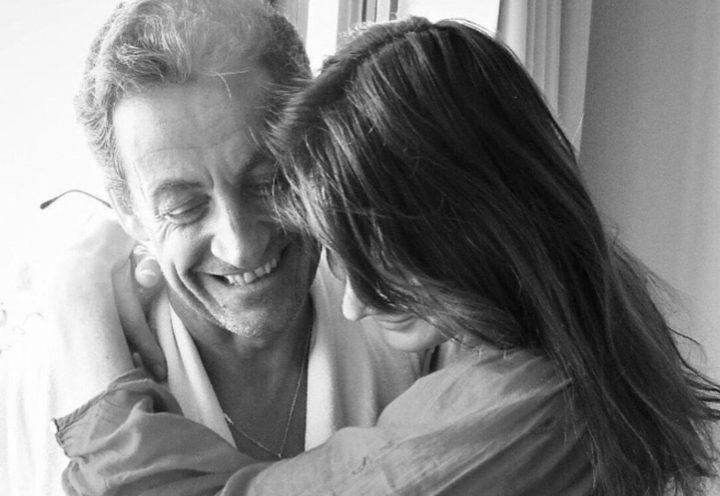 Carla Bruni-Sarkozy face aux paparazzi