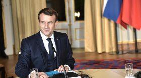 Emmanuel Macron profite de ses vacances !