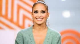 Jennifer Lopez sexy sans maquillage