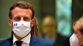Emmanuel Macron masque tousse