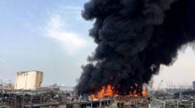Le port de Beyrouth ravagé par les flammes