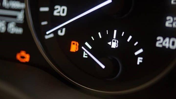 jauge essence réserve carburant