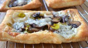 tarte-fine-aux-champignons-et-gorgonzola-la-recette-ideale-pour-les-restes-du-frigo