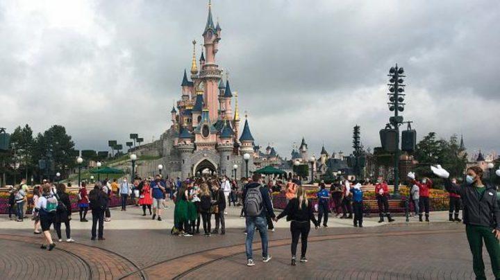 Deux adolescents arrêtés après avoir fait une blague de mauvais goût à Disneyland