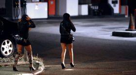 Deux hommes sont accusés de d'avoir prostitué leurs compagnes enceintes