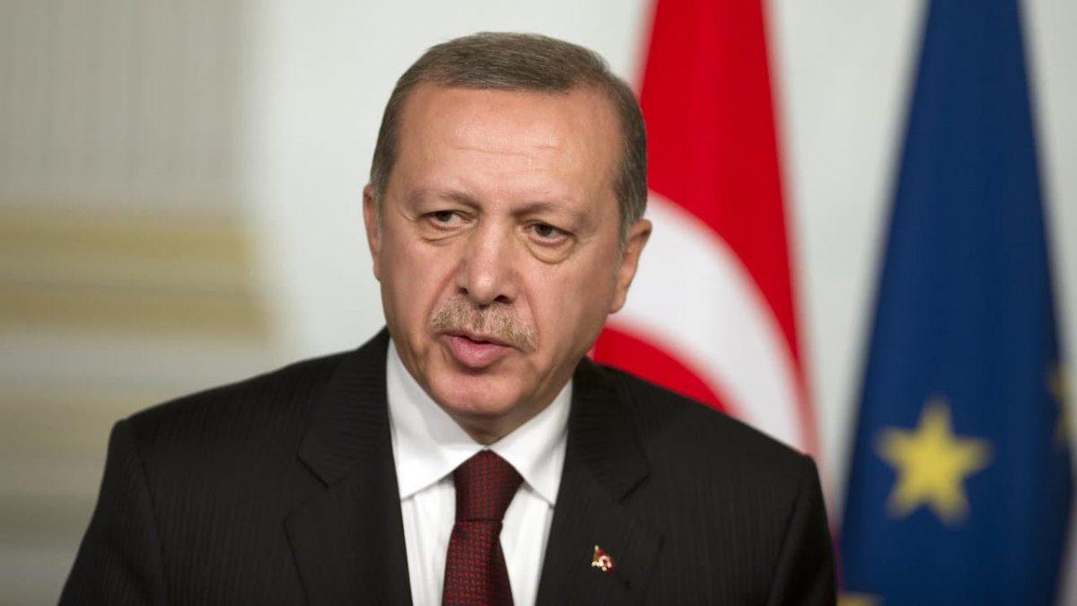 Erdogan critique ouvertement Charlie Hebdo pour l'avoir caricaturé et avoir porté atteinte aux valeurs de la Turquie
