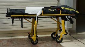 covid-19-a-marseille-les-hopitaux-requisitionnent-des-camions-frigorifiques-guise-de-morgue