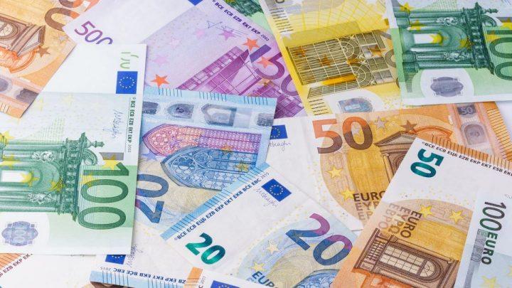 Elle se retrouve à découvert de 42 000 euros!