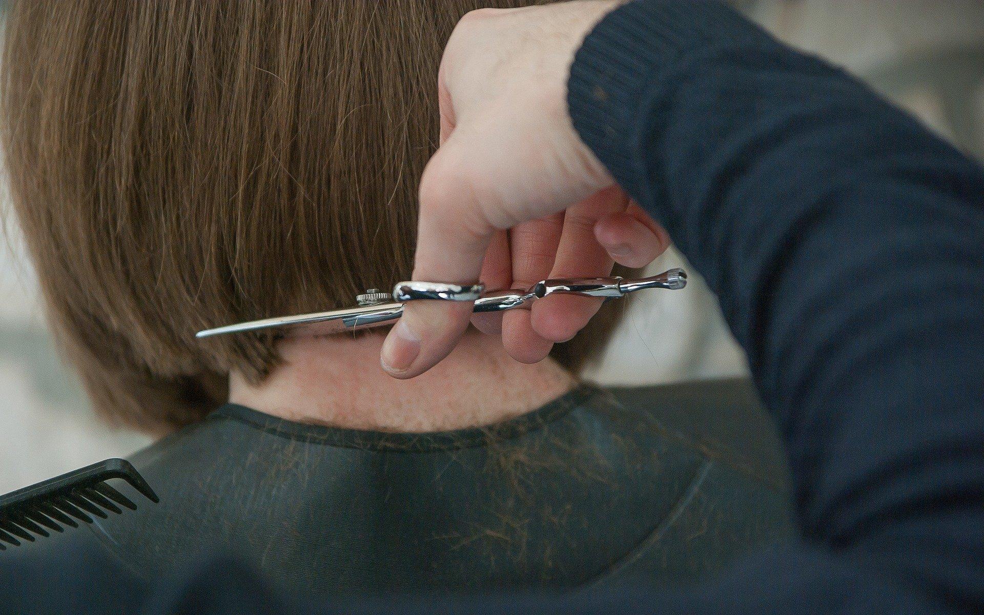 Cette coupe de cheveux est la plus demandée en 2020 ! Vous savez quoi demander à votre coiffeur pour la réouverture…