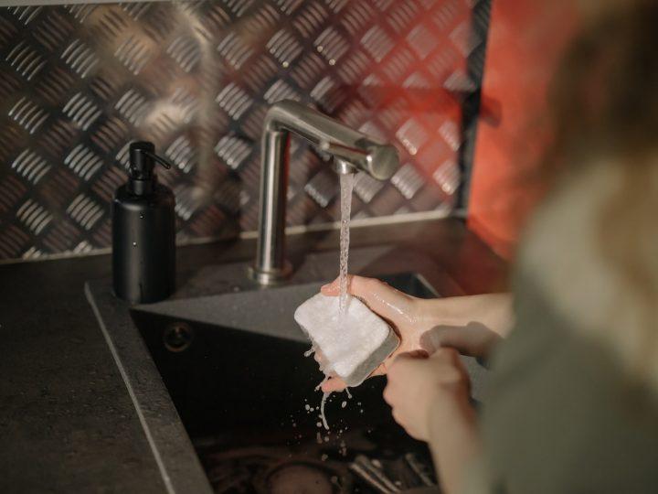 Ménage, comment nettoyer son éponge