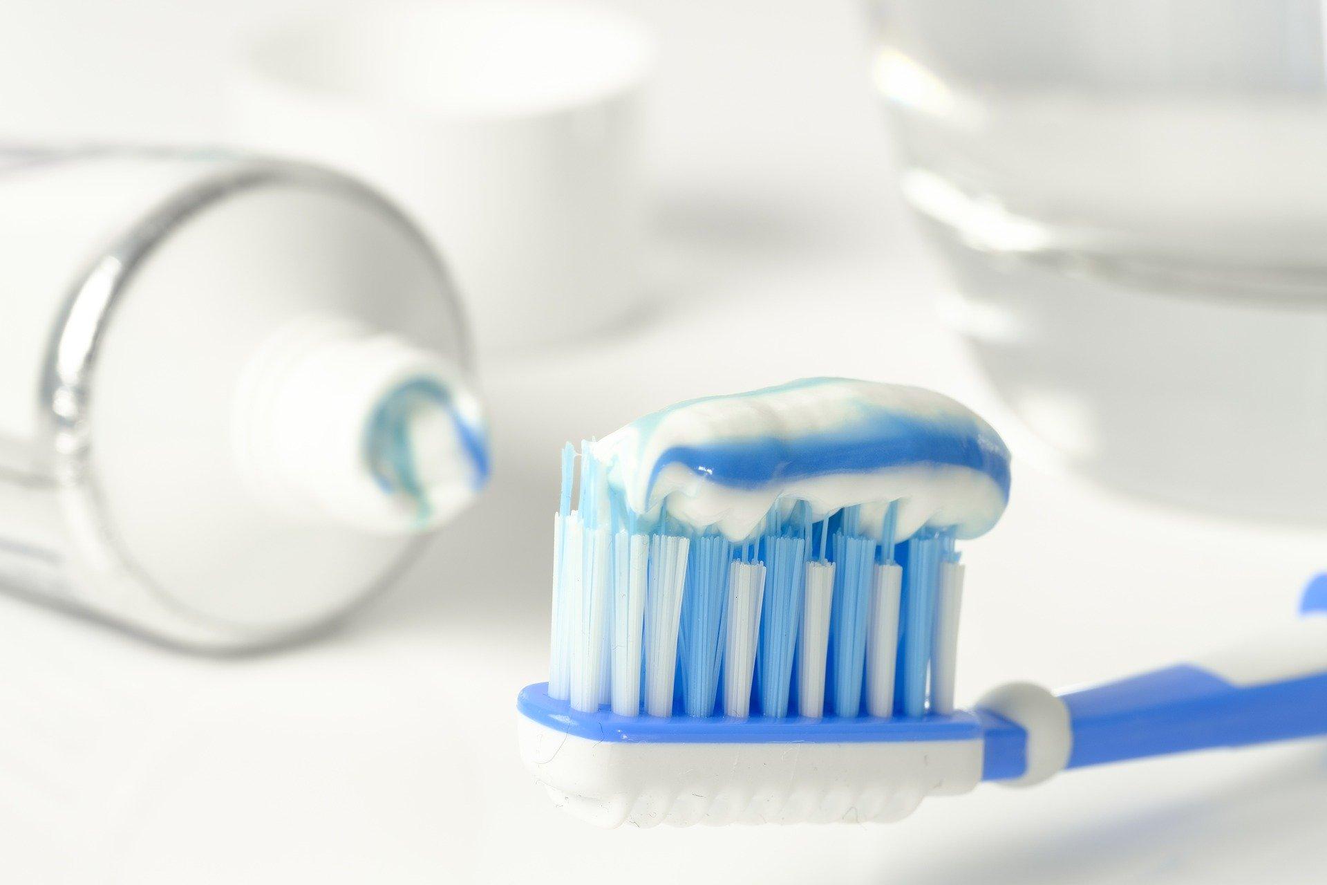 Le pénis au dentifrice pour une érection plus longue ? La nouvelle tendance dangereuse qui circule sur la toile !