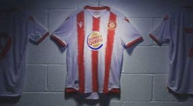 Maillot Stevenage FC Burger Queen