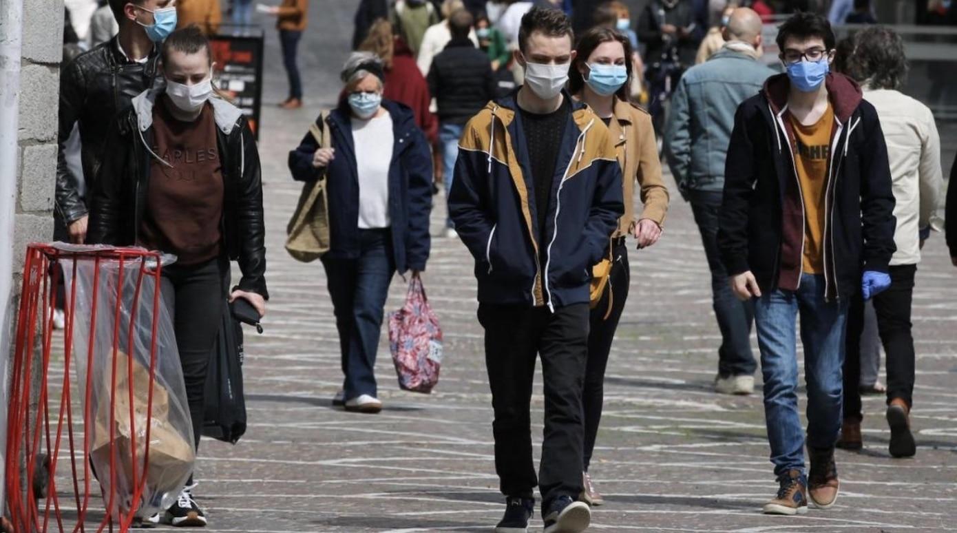 Masques homologués, distanciation augmentée : Les nouvelles recommandations face aux variants du coronavirus !