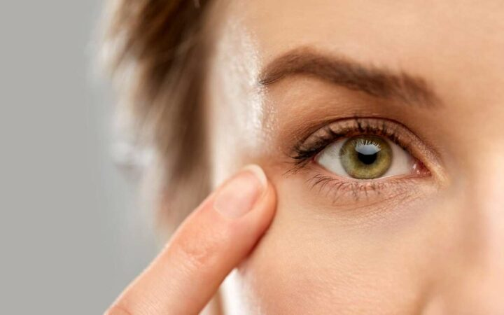 covid-19 symptômes yeux