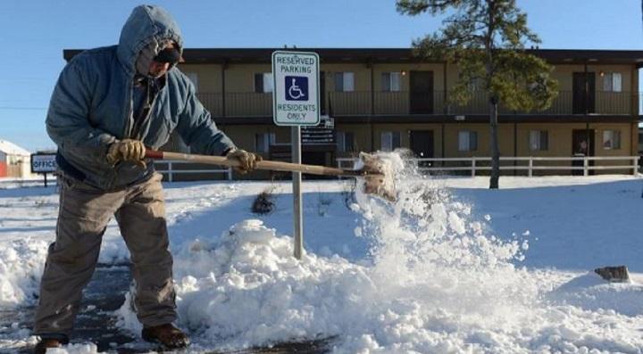 les-internautes-affirment-que-bill-gates-cree-fausse-neige-au-texas