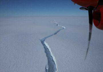 fissure iceberg se détache barrière de bunt