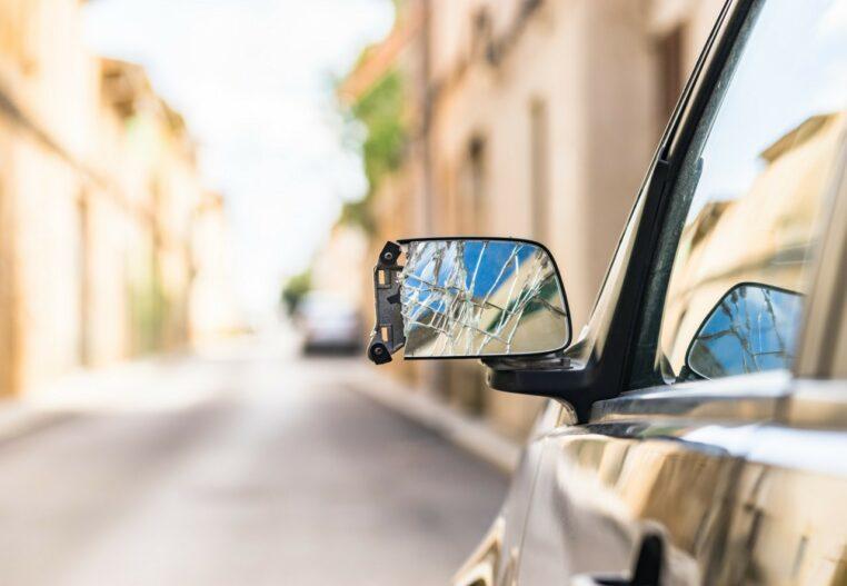 arnaque rétroviseur automobiliste