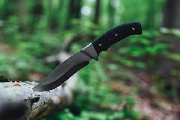 mère fils égorgé couteau