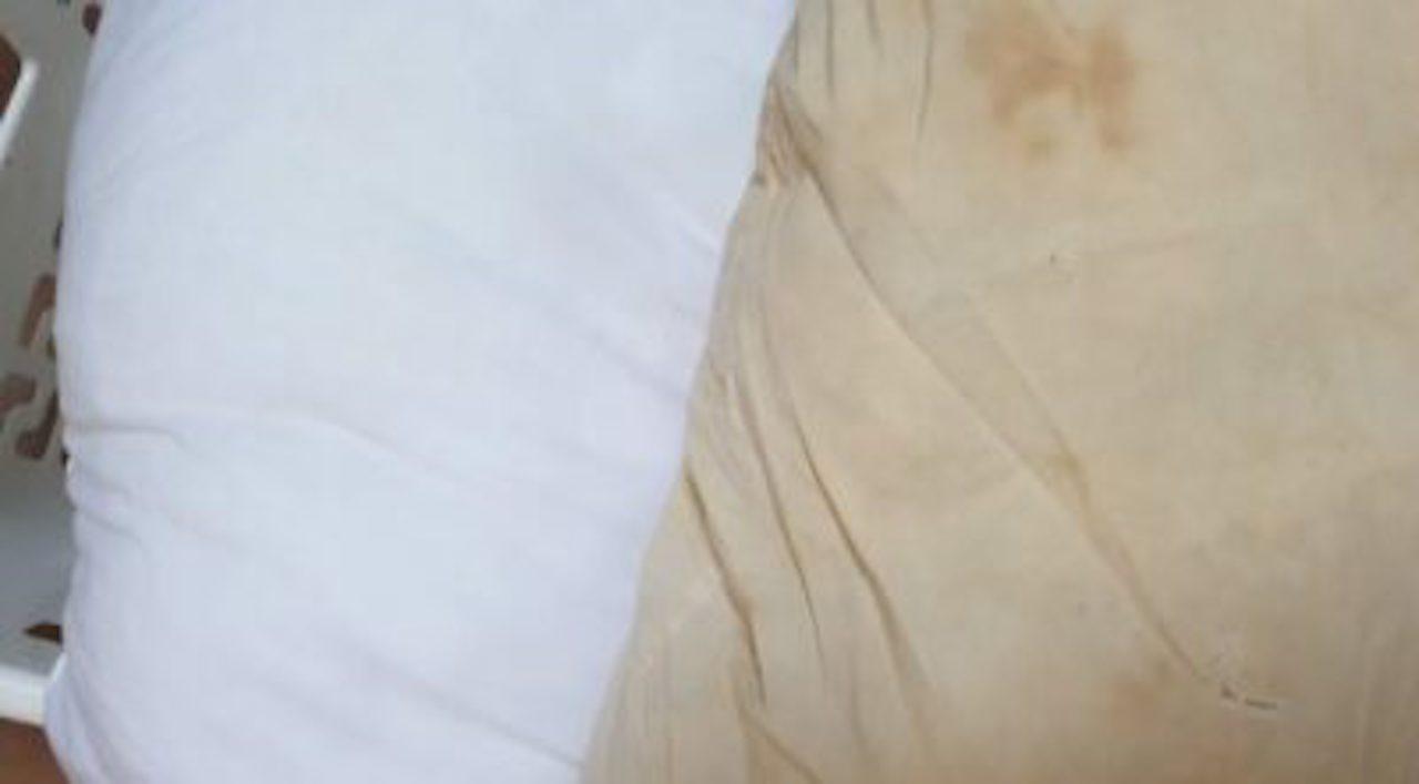 Astuces : Comment redonner toute leur blancheur à vos oreillers jaunis ?