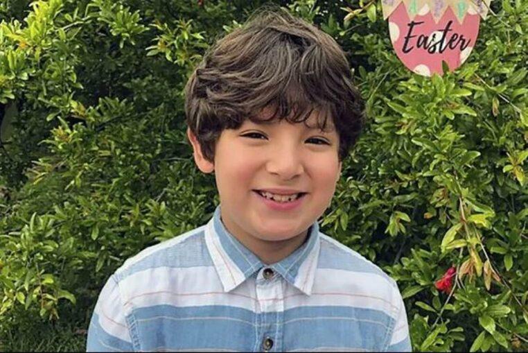 Cet enfant de 9 ans est décédé dans les bras de sa mère après la fusillade en Californie