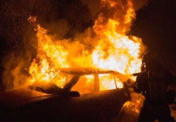 Un cadavre calciné a été retrouvé dans une voiture en flammes à Toulouse