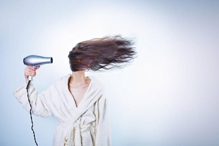coiffeur coup de cheveux