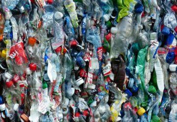 recycler des bouteilles en plastique pour faire de la vanille