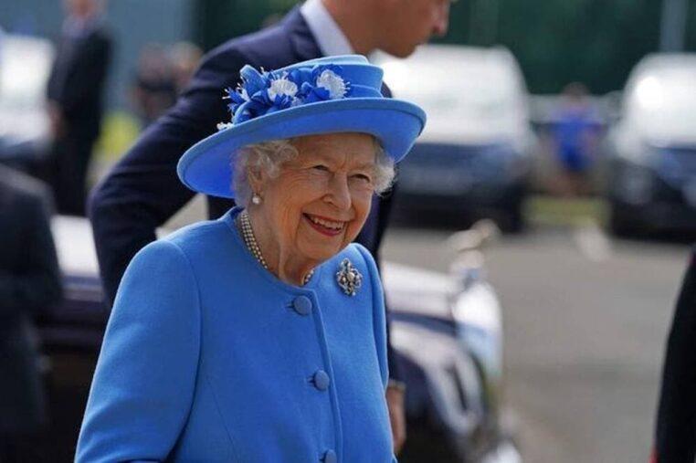 Elizabeth II accouchement