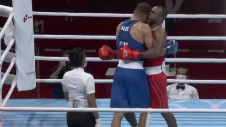 boxeur mord adversaire oreille