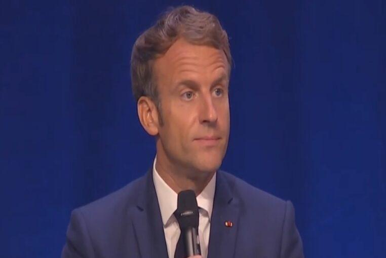 Emmanuel Macron : d'après ses proches, le Chef de l'État s'entoure sciemment de tocards !