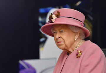 La reine Elizabeth II a été hospitalisée semant ainsi l'inquiétude chez les Britanniques !