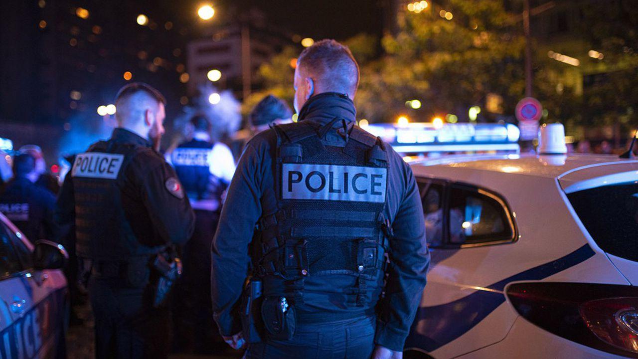 Paris : un homme ouvre le feu sur une terrasse, ce que l'on sait