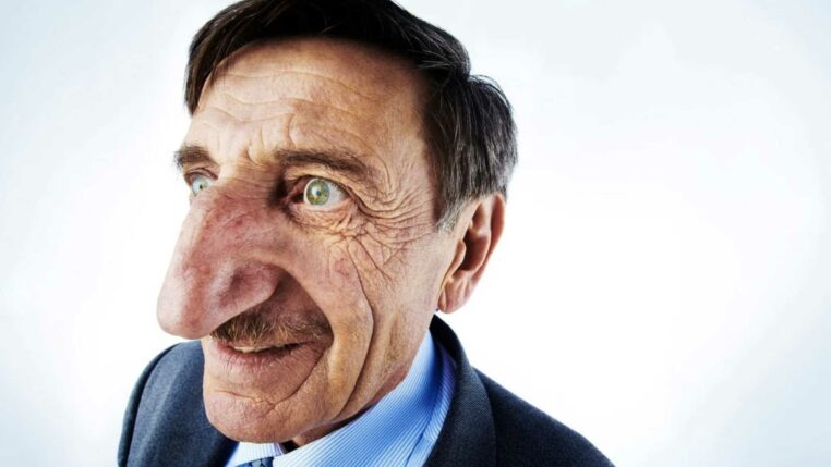 homme au plus long nez du monde